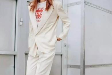 谁说白色欠好搭同色系规律等你来撩省劲又时尚